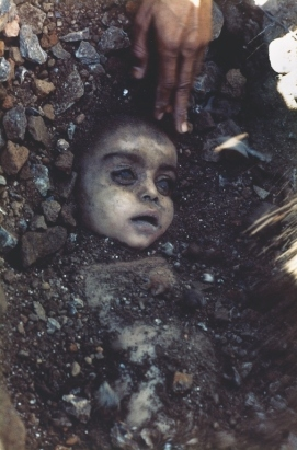 A child killed by the poisonous gas leak in the Union Carbide chemical plant disaster. (Pablo Bartholomew)